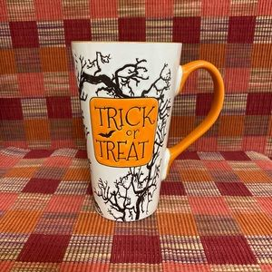 NEW FOR HALLOWEEN! 'TRICK OR TREAT' LATTE MUG